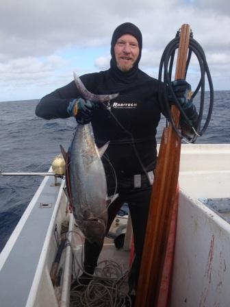 14_kg_long_fin_Tuna_shot_by_Hennie_6_April_201111525.jpg