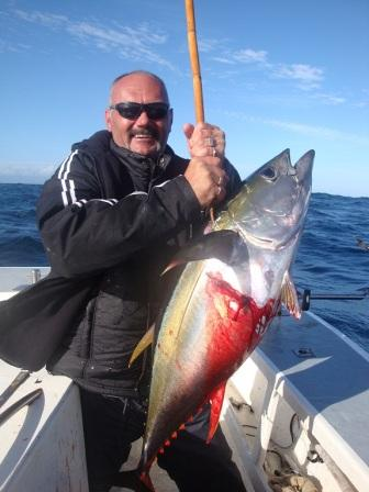 Yellow_Fin_Tuna_30_kg_caught_by_Gerrad_6_April_201111525.jpg